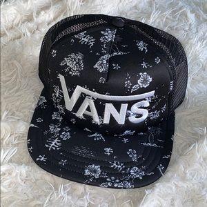 Vans Hawaiian hat Black and White